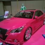 ギャルやヤンキーからも人気の高いTOYOTA(トヨタ)クラウンアスリートピンクカスタム!!エレガントなVIP車感がかっこいい!