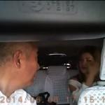 タクシーに乗ってきたヤンキースタイルのギャル!!マナー最低DQN乗車態度が悪すぎるとネットで話題に
