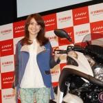 元AKB大島優子が二輪免許取得と愛車宣言!!ヤマハ新型3輪バイク「トリシティMW125」CMキャラクターに起用