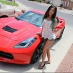 美女セクシーコスプレオタク!YouTuberのLia Wolfが愛車に新型シボレーコルベットC7スティングレイを購入!自身で愛車をカスタム!!